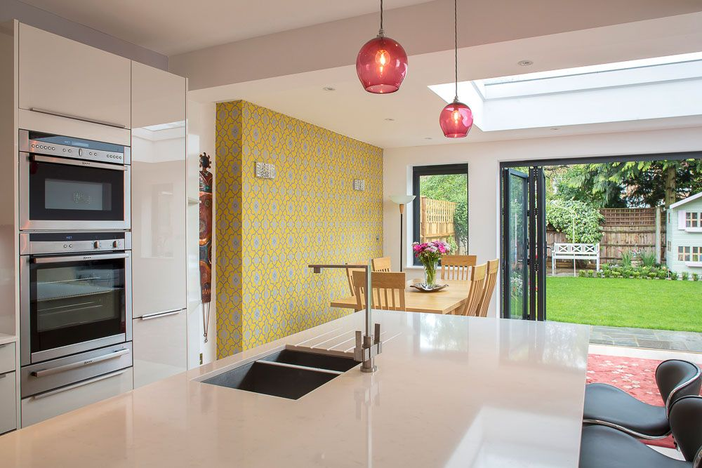White Kitchen Extensions a single-storey kitchen extension in twickenhaml&e (lofts and