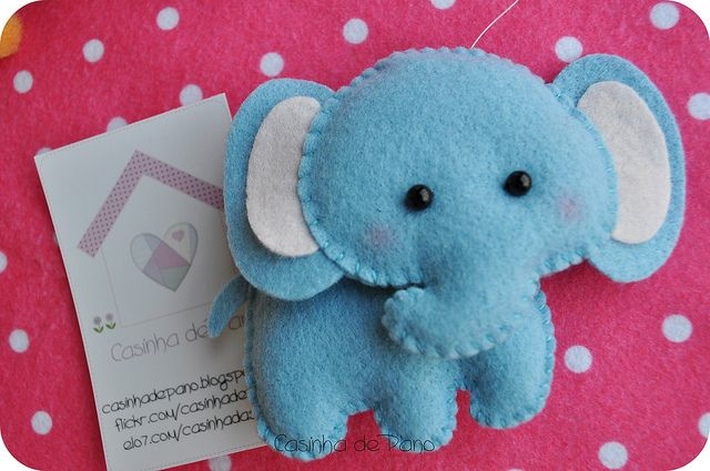 Elefante by Casinha de Pano, via Flickr