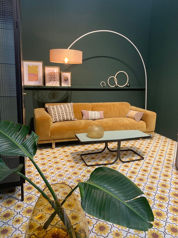 Imm Cologne 2019 Gelbes Wohnzimmer Gelbe Couch Couch Grün
