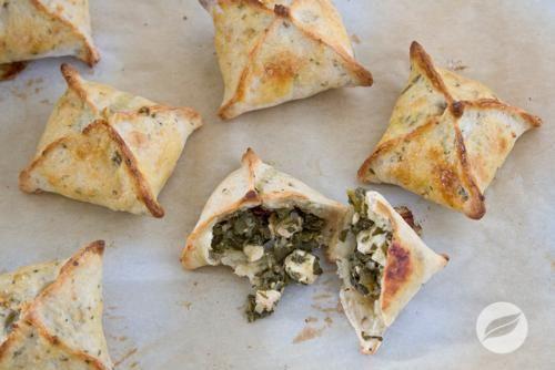 Wildtree's Spinach Feta Hand Pies Recipe   www.MyWildtree.com/GloyeskeL