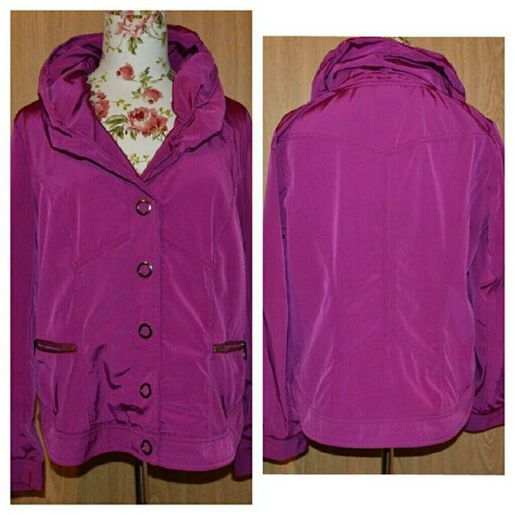 Zenergy by chicos fuchsia jacket size 1 In very good condition! A beautiful size 1/or medium zenergy by chicos jacket. Chico's Jackets & Coats Utility Jackets