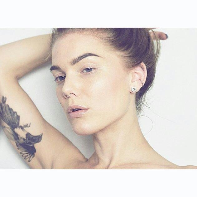 21++ Tatouage yeux de biche trends