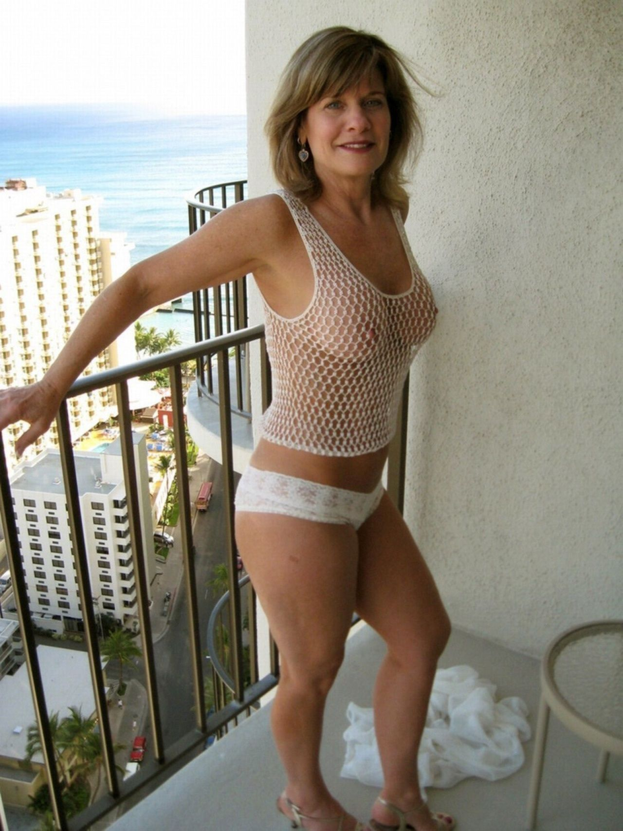 Amazing milf big boobs
