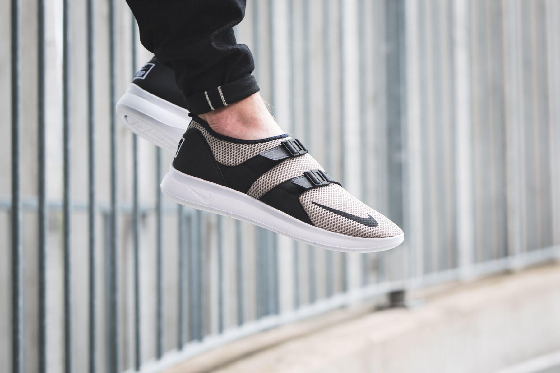 Nike Air Sock Racer Ultra Flyknit Schuhe OliveSchwarz