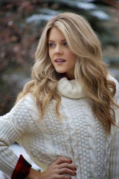 strand blonde haarfarbe auf gro e volumin se wellen haare make up pinterest strand blond. Black Bedroom Furniture Sets. Home Design Ideas