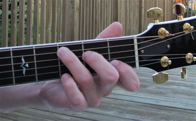 Finger Placement For Guitar Chords Eliminate String Buzz