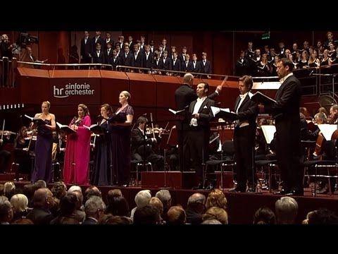 Mahler 8 Sinfonie Sinfonie Der Tausend Hr Sinfonieorchester Paavo Jarvi Youtube Classical Opera Performance Art Orchestra