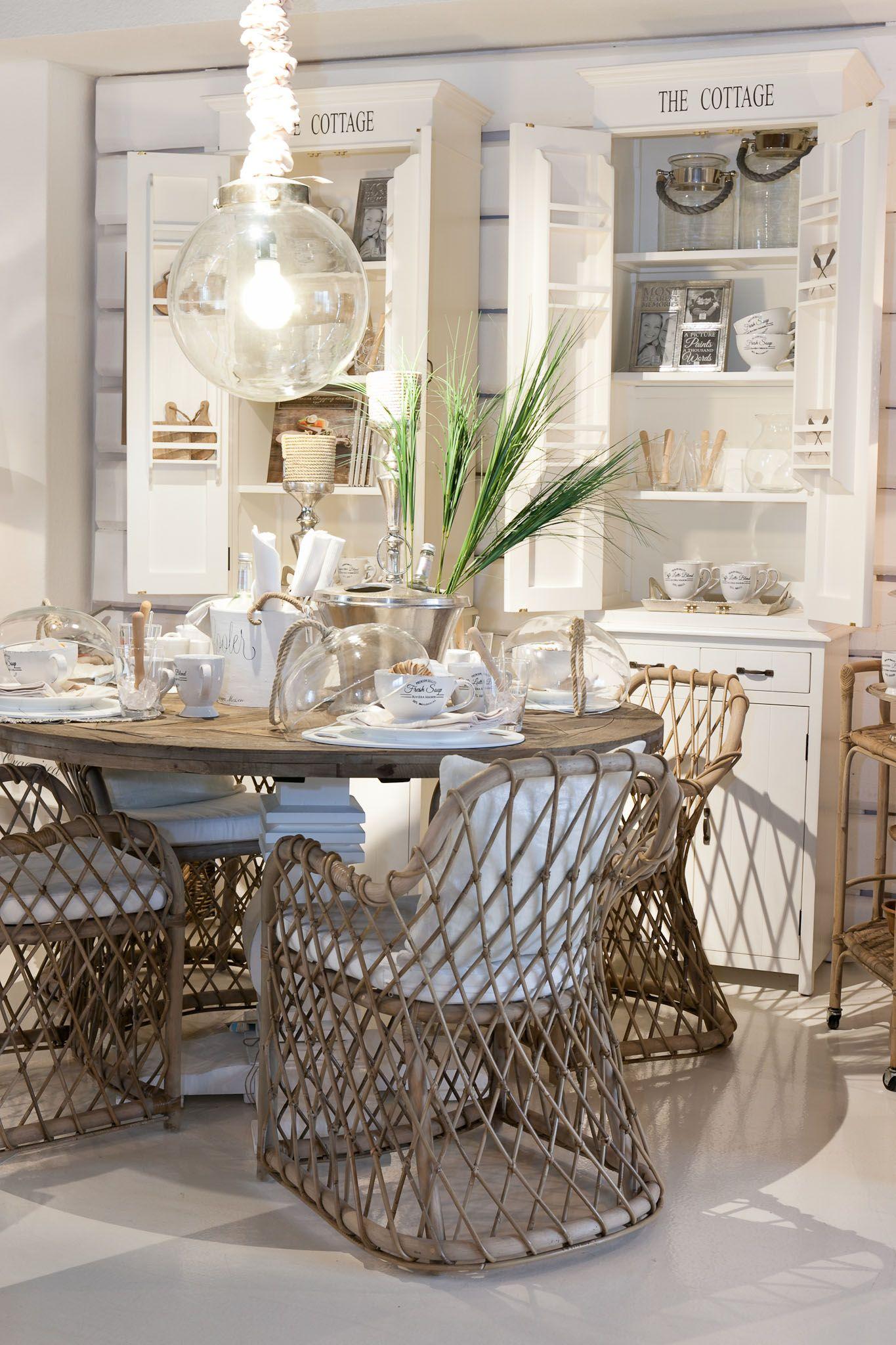 pin von julie leon auf cottage pinterest strandh user esszimmer und gr ne sofas. Black Bedroom Furniture Sets. Home Design Ideas