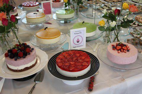 Kesäiset häät ja kakkupöytä <3