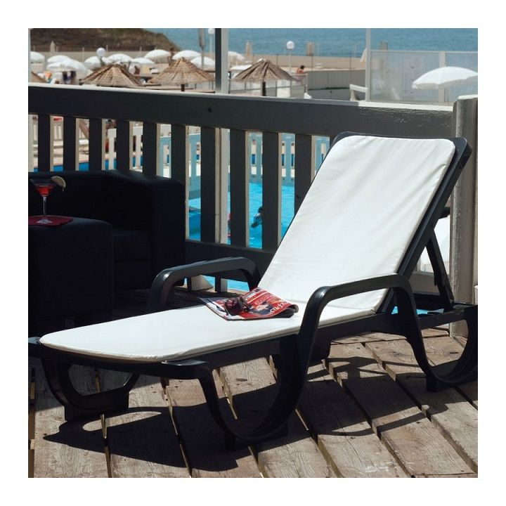 transat  gengkppds  jardin piscine  bain de soleil