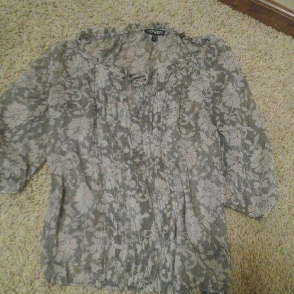 Express quarter length shirt 100% polyester Express Tops Blouses