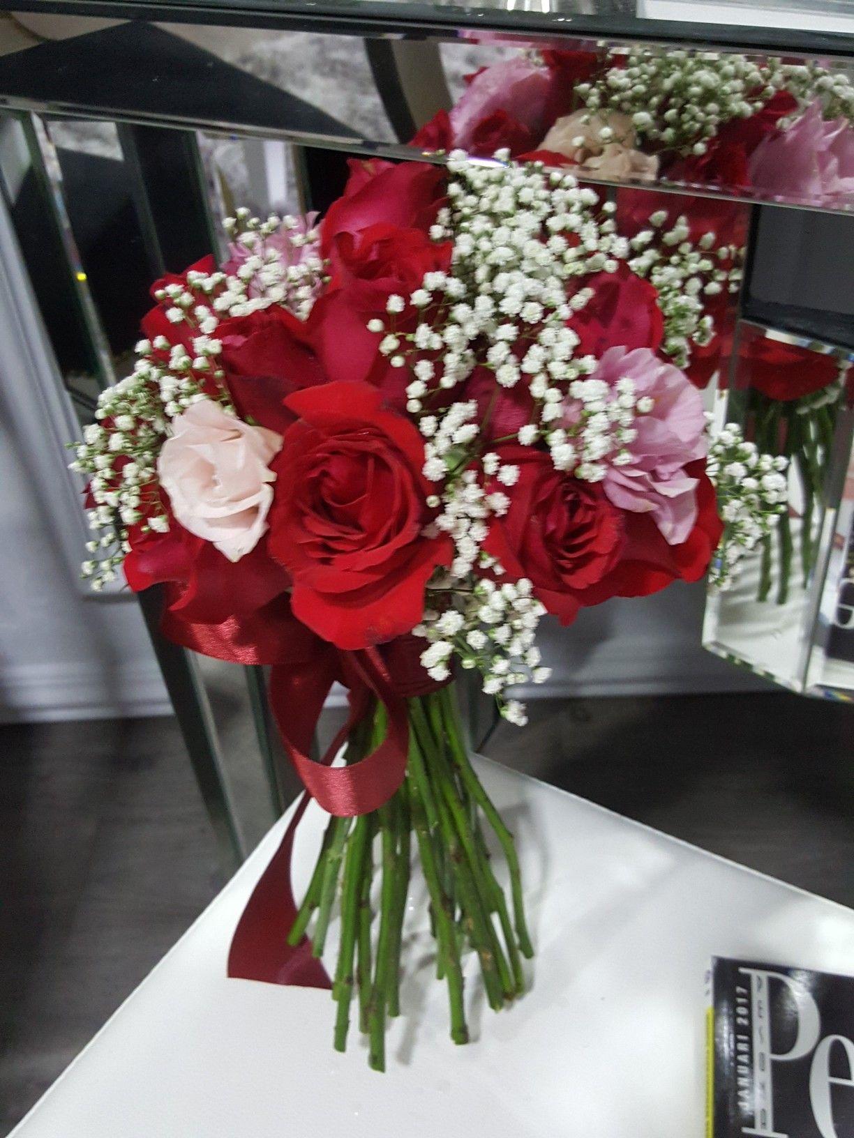 Pin by faixalcreations deco n artz on fresh flower hand bouquet hand bouquet fresh flowers bouquets hands nosegay izmirmasajfo