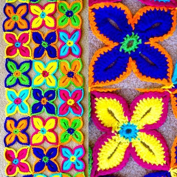 Sarah London\'s #crochet Hawaiian Flower Motif takes SO long but ...