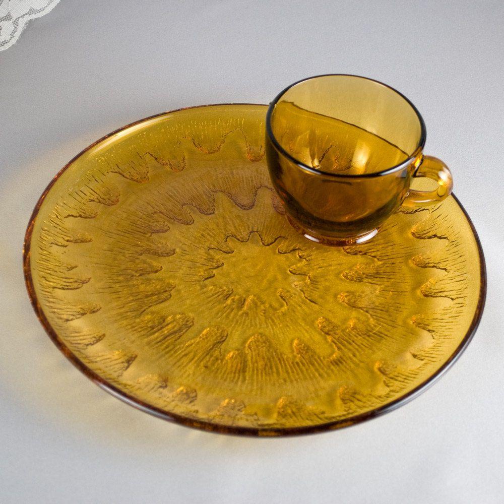 Vintage glass snack set sunburst by indiana