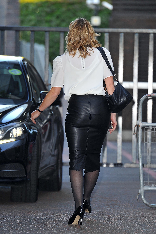89ba652f3 Jane Danson outside ITV Studios Tight Pencil Skirt, Black Leather Pencil  Skirt, Leather Skirts