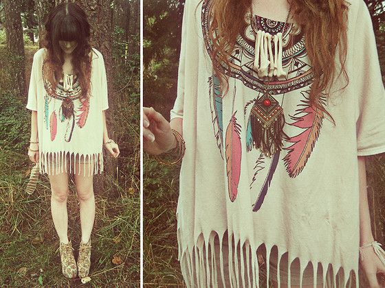 Jeffrey Campbell Floral Litas, Urban Outfitters Feather Shirt, Forever 21 Square Necklace, Os Accesories Polyurathane Bone Necklace