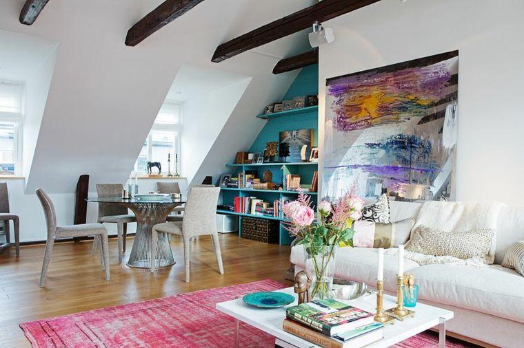 Tavolino rotondo con sedie bianche divano bianco tappeto fucsia