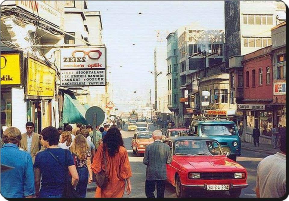 ''Öyle şeyler gördüm ki unutmam artık unutma artık.'' Turgut Uyar F: Sirkeci, 1980ler #istanlook