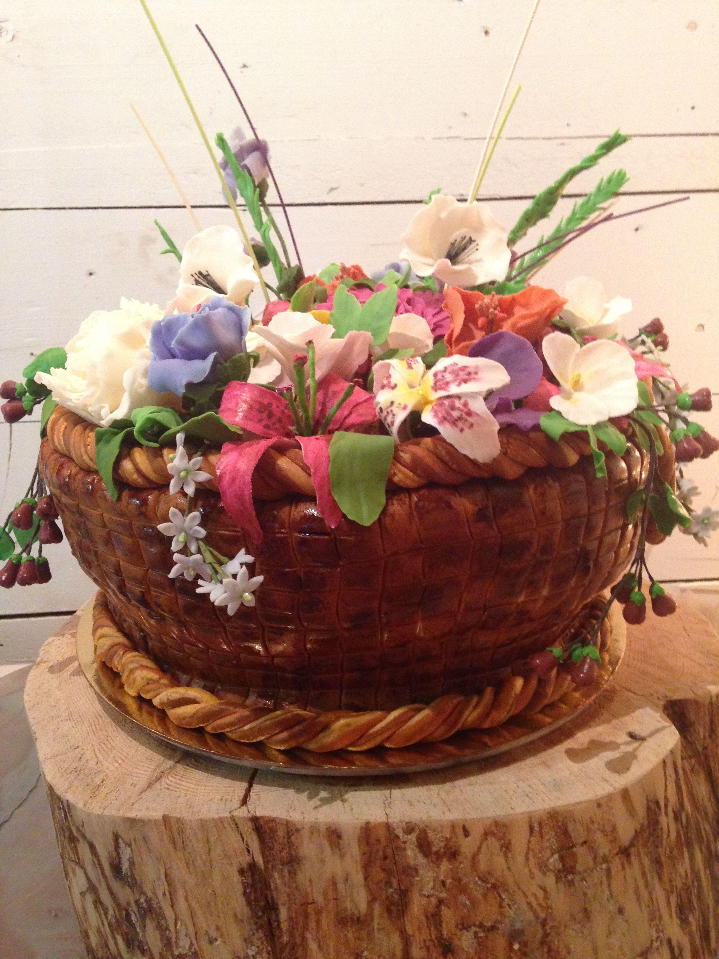 Basket Of Flowers Cake Cake Betty Birthday Cakes Pinterest