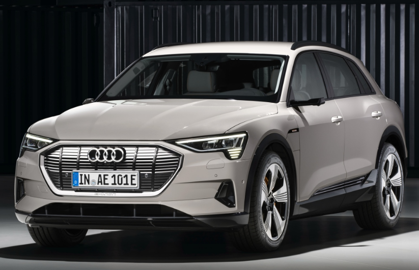 2020 Audi E Tron Review With The Launch Of The Audi E Tron The Audi Brand Features Its Initial Completely Electric Creation Model The M Mobil Keluarga Mobil