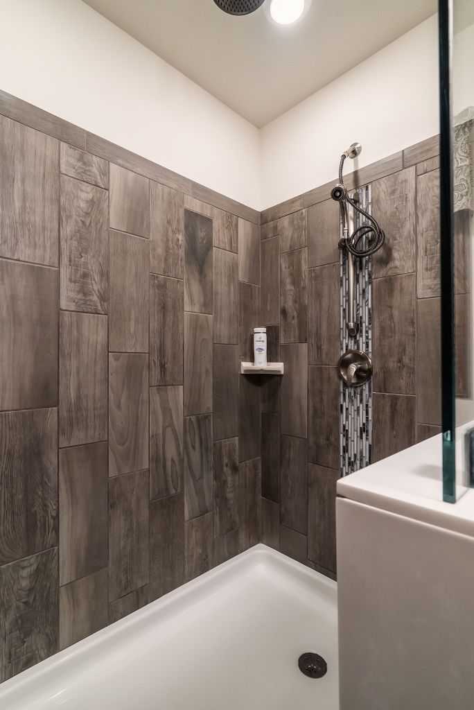 Commodore Homes Of Indiana Grandville Utlra 3 Le Modular Ranch Walk In Ceramic Tile Shower Featuring Emblem Gray With A Mosaic