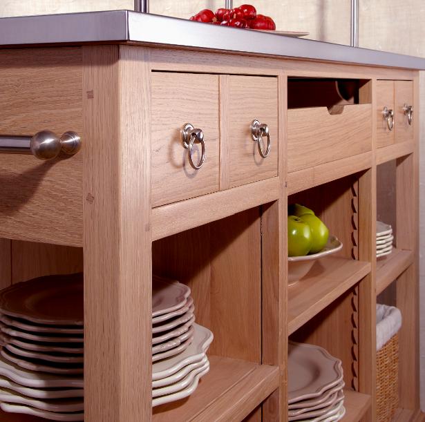 Les meubles en bois donnent un charme fou une cuisine - Caisson cuisine bois massif ...