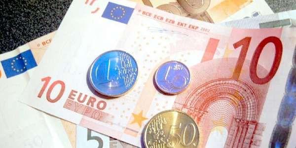 Il Pil italiano è sceso del 2,2 per cento nel 2012 - http://www.lavika.it/2013/02/il-pil-italiano-e-sceso-del-22-per-cento-nel-2012/