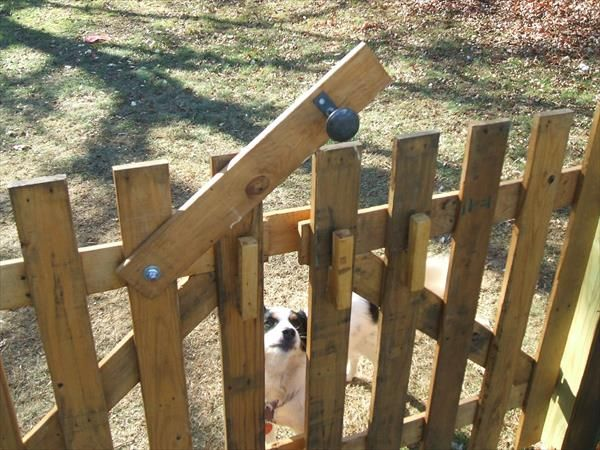 Recycled pallet wood fence wood fences pallet wood and for Diy pallet fence gate