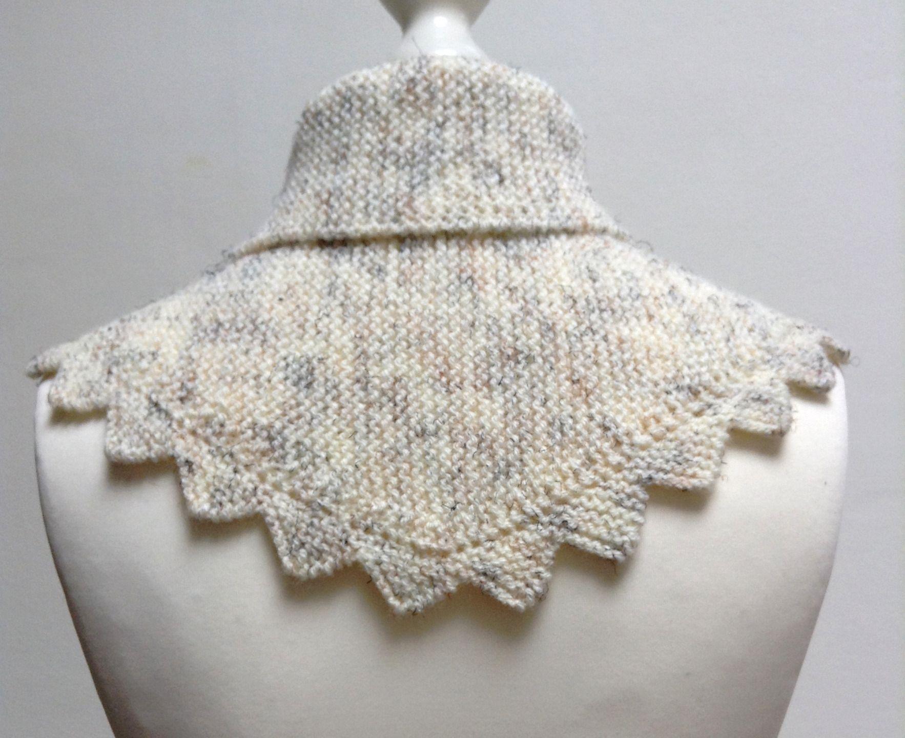 Petit ch le couvre paules cru avec des ombres noires ou marron au tricot bordure dentel e - Faire une augmentation en tricot ...