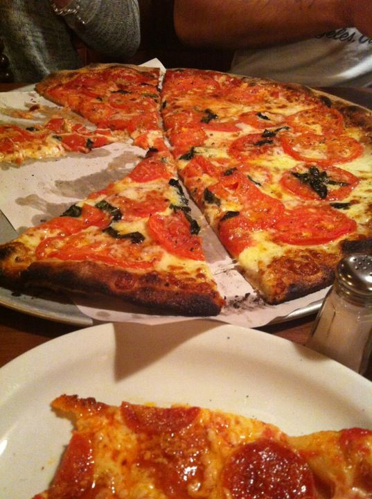 Modern Apizza New Haven Pizza Eat Louis Lunch