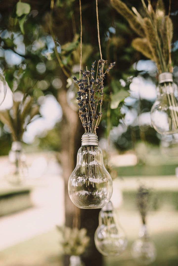 Unique Hanging Lightbulb Vases As Wedding Decor Lightbulb Diy
