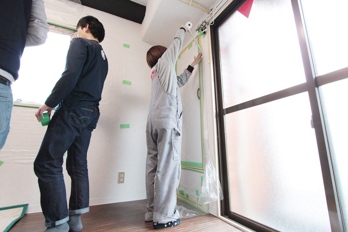 Diy賃貸で暮らそう 4 塗装する 押入れ 窓枠 キッチンの棚 Popolato 賃貸diy 賃貸 窓枠