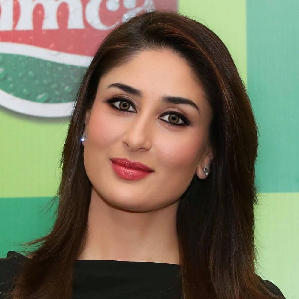 3 087 Likes 27 Comments Kareena Love Kareena Queen On Instagram No Can Has The Charm Li Kareena Kapoor Photos Kareena Kapoor Bollywood Actress Bikini