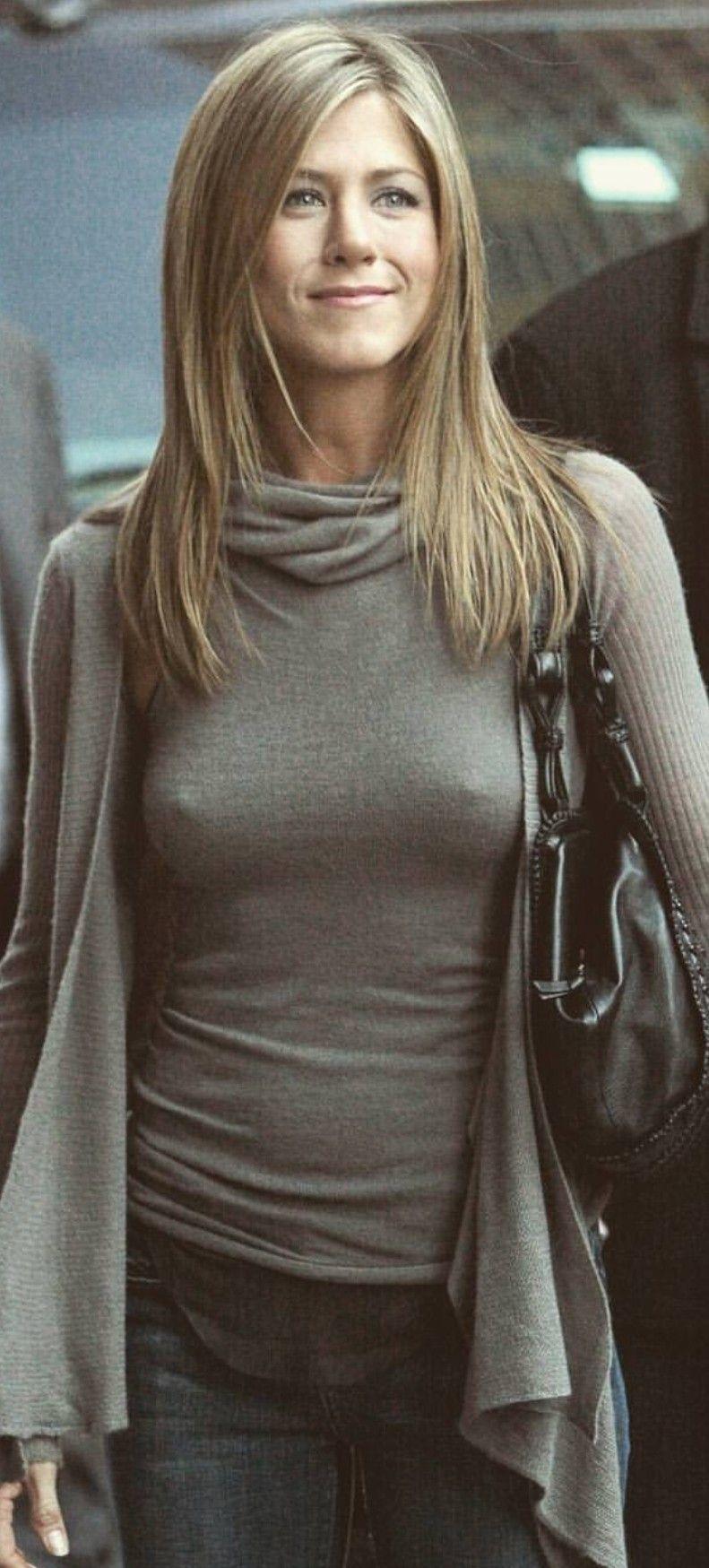 Дженнифер энистон без нижнего лифчика, секс в клубах донецка