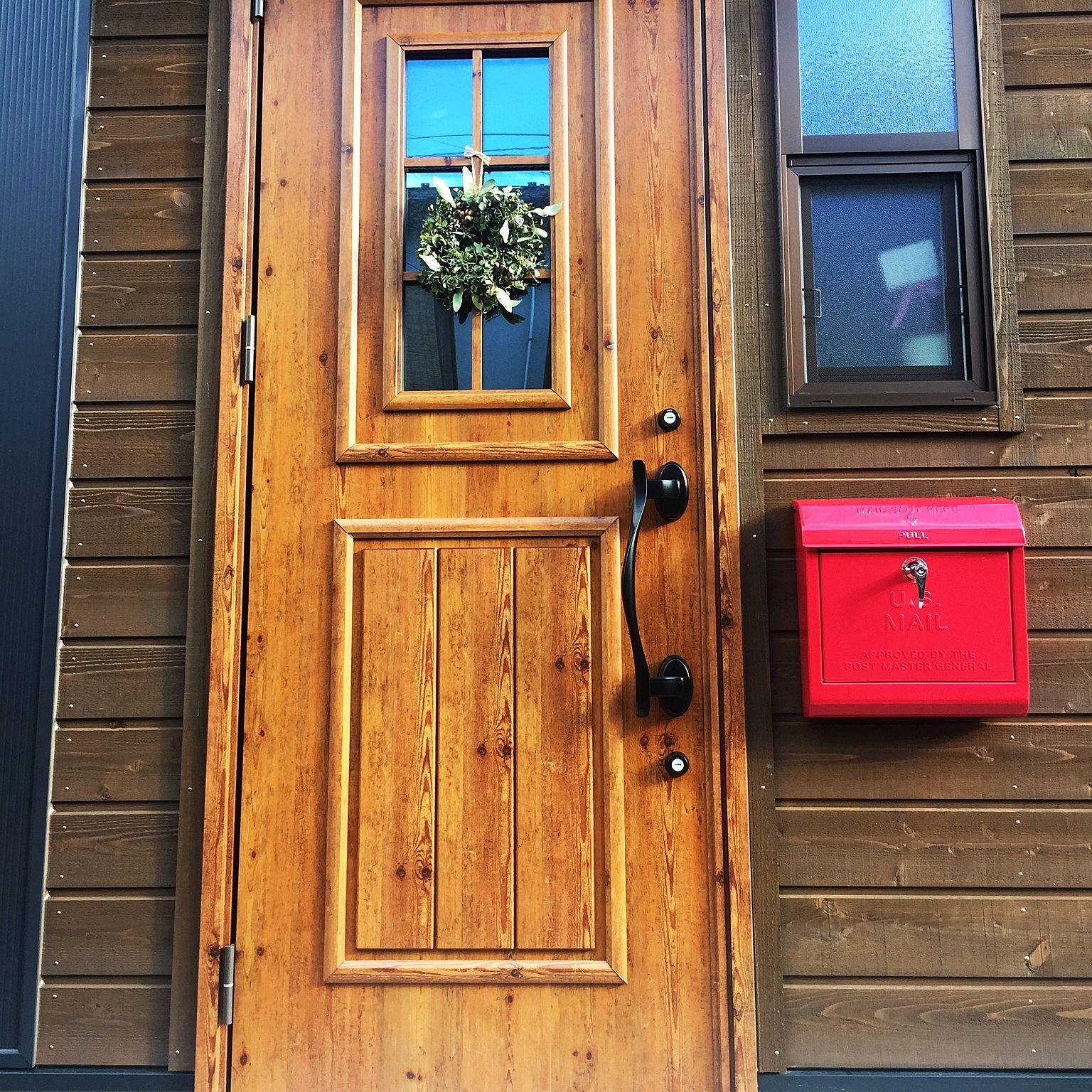 玄関 入り口 リース 赤いポスト U S Mailbox 木が好き などの