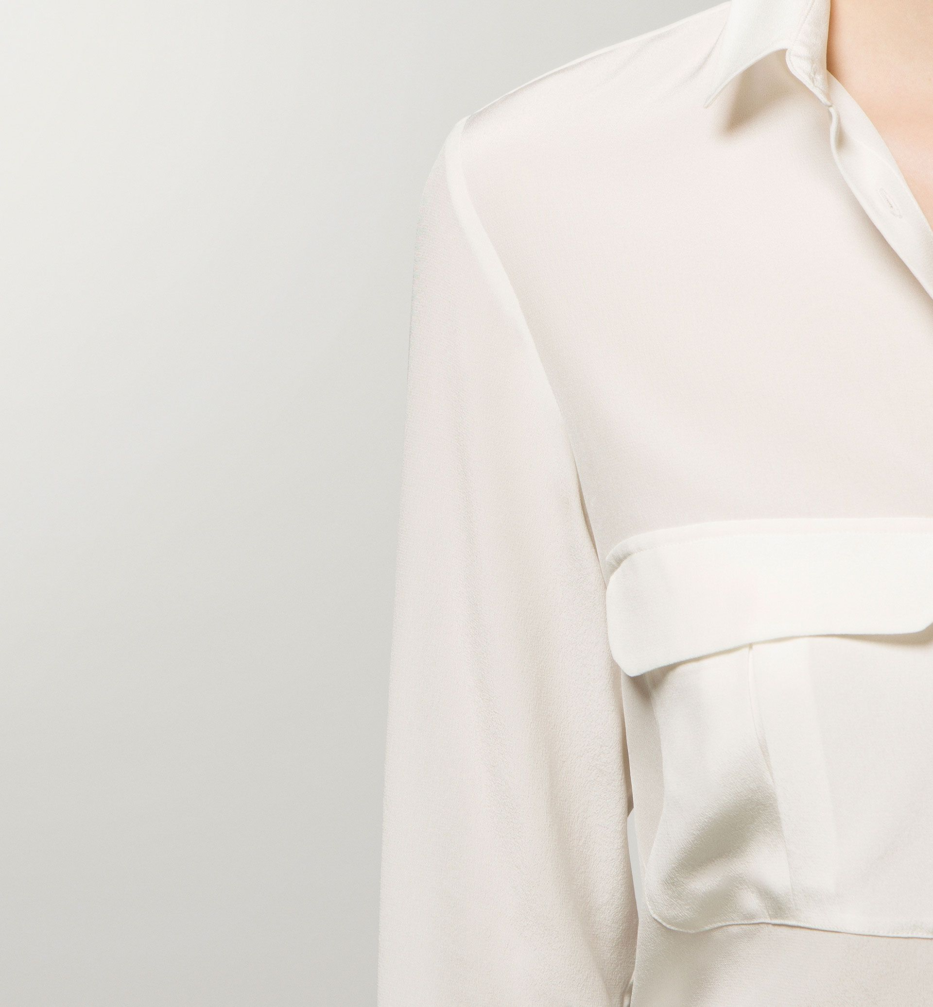 CAMISA BLANCA 100% SEDA - Blancas - Camisas y Blusas - WOMEN - España - Massimo Dutti