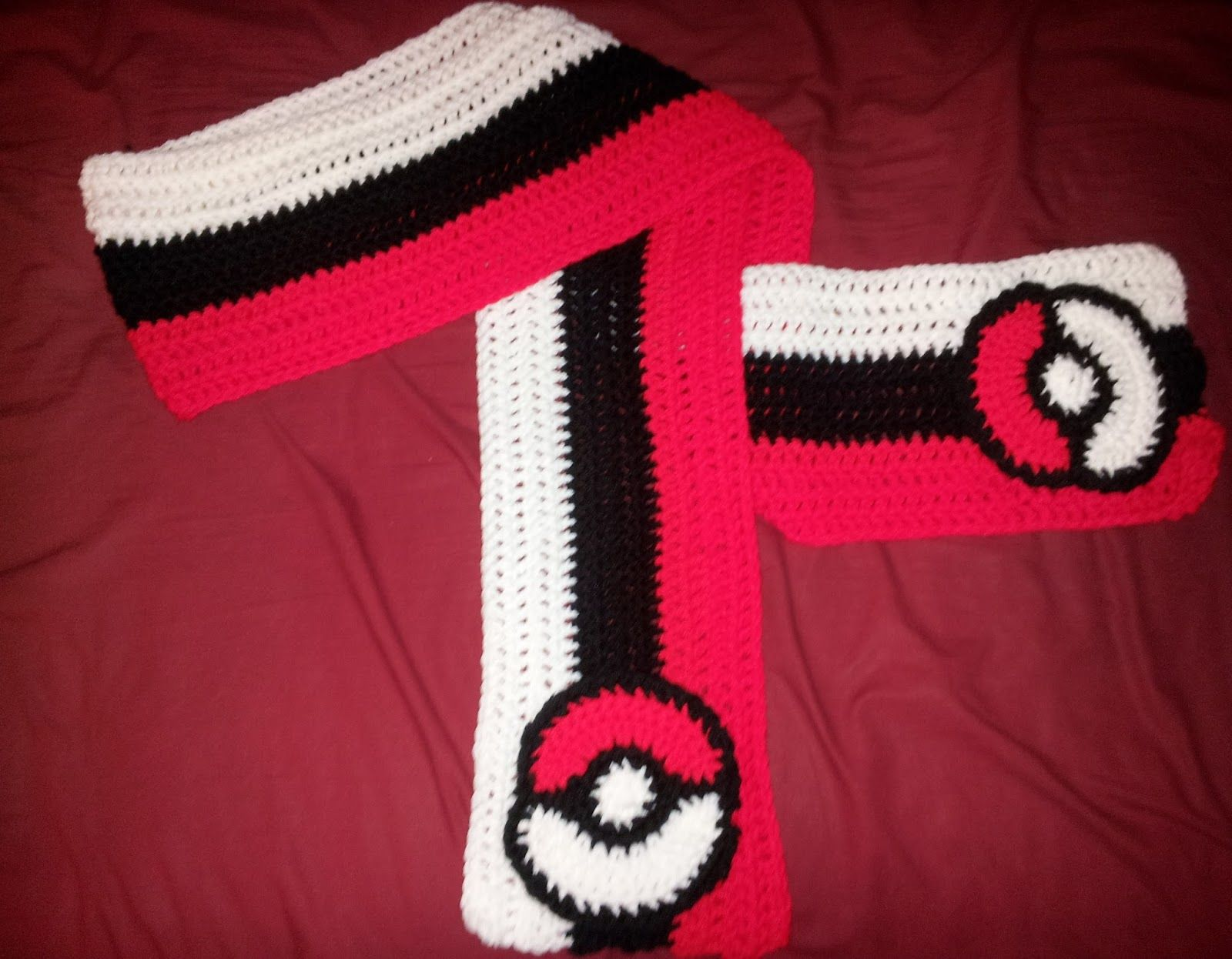 Hooking Rainbows: POKEBALL SCARF