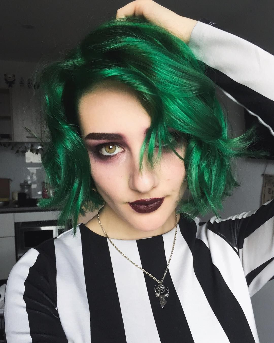 It S Showtime I Keep Forgetting That My Hair Is Green And Whenever I See My Reflection I Transcend Into A Green Hair Hair Color For Black Hair Halloween Hair