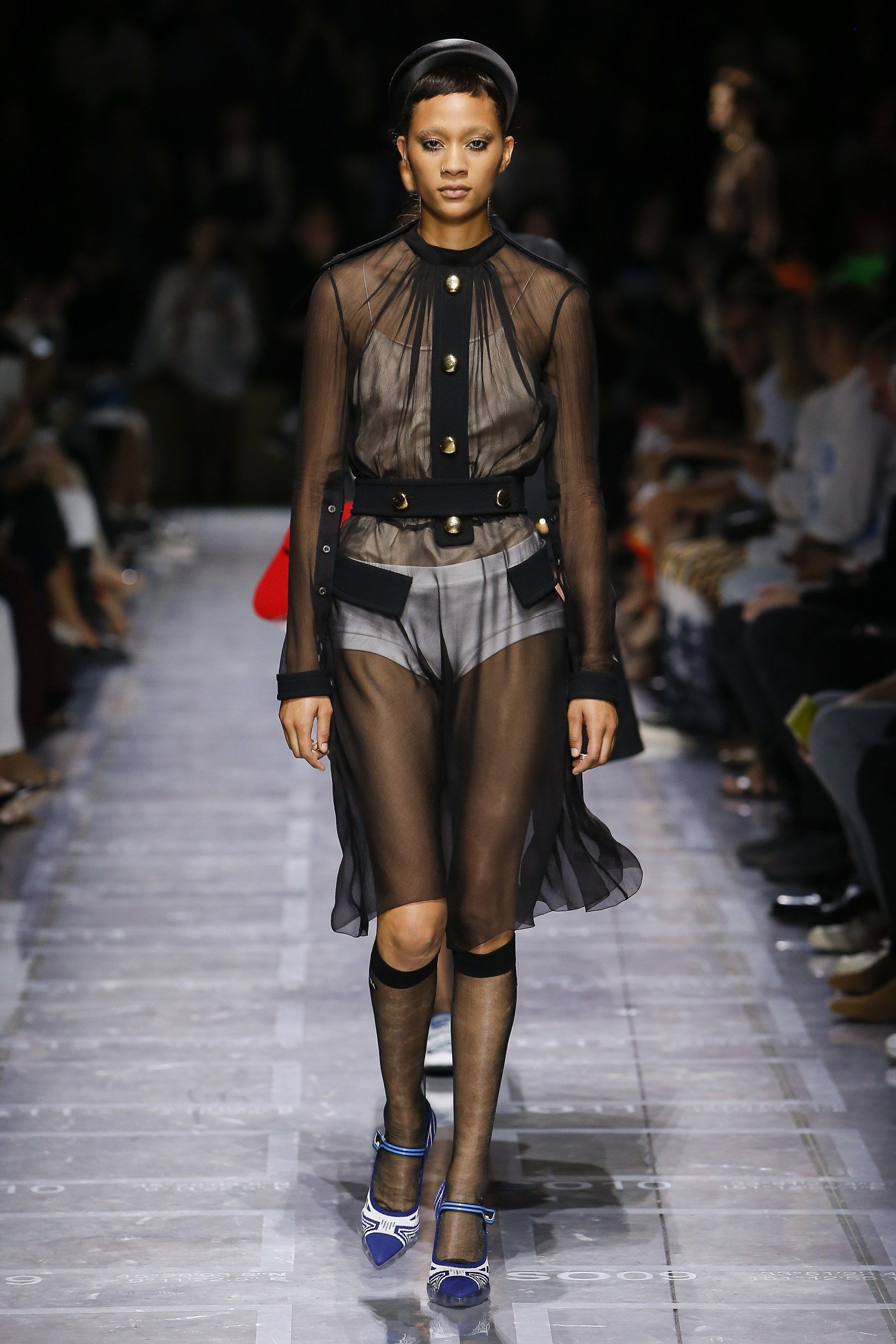 Prada Spring 2019 Ready-to-Wear Fashion Show в 2018 г.   Spring 2019 ... 8a44a4c4108