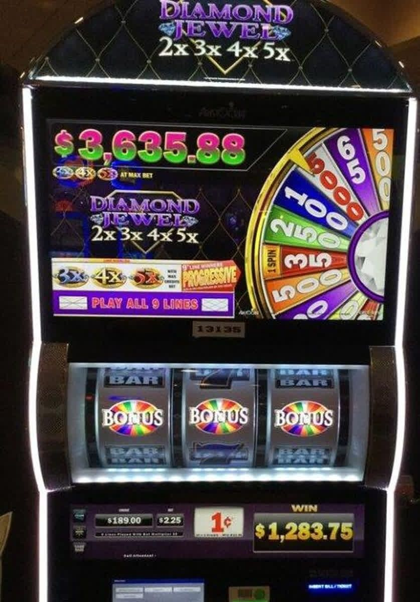 What an exciting win on the penny Diamond Jewel slots