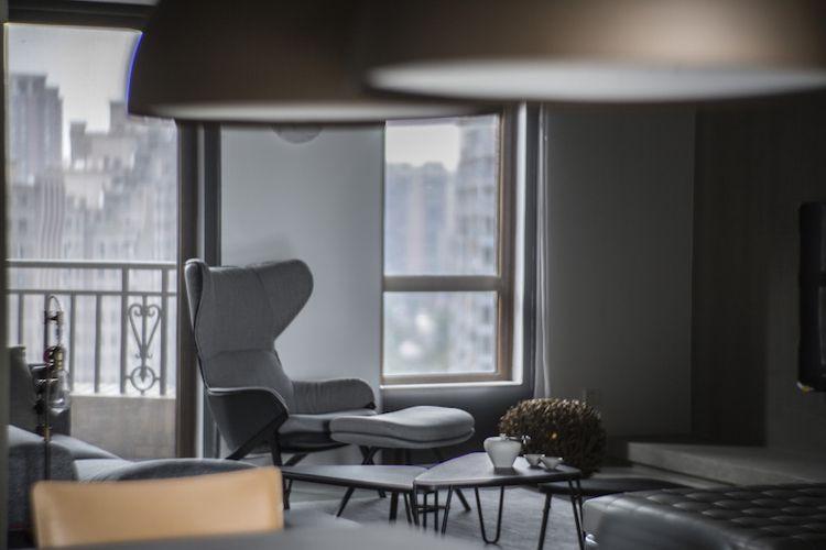 Farbe Grau -visuelle-effekte-wohnzimmer-sessel-terrasse ...