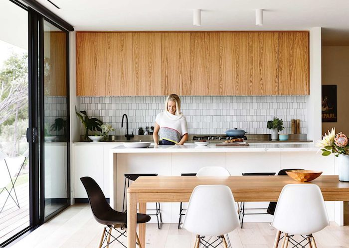 A modern mid century beach house pinteres for Beach house kitchen ideas