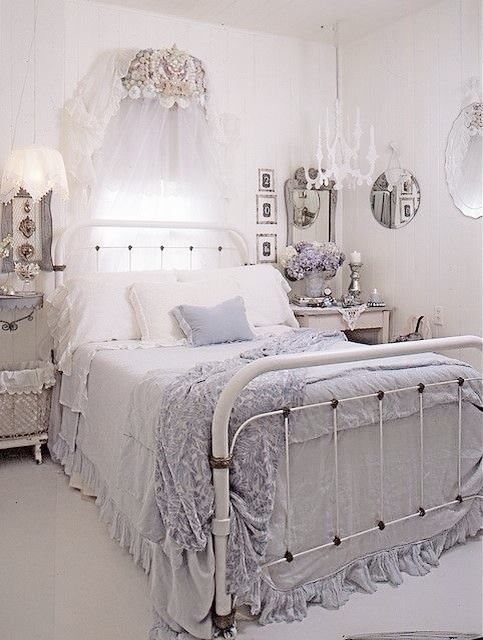 I Love This Beautiful Shabby Chic Bedroom.Especially The Iron Bed. I Personally Find The Various Shades Of Blues And Purples So Comforting And Easy To Live ... & Oh that bed | SHABBY CHIC | Pinterest | Bedrooms Shabby and ...