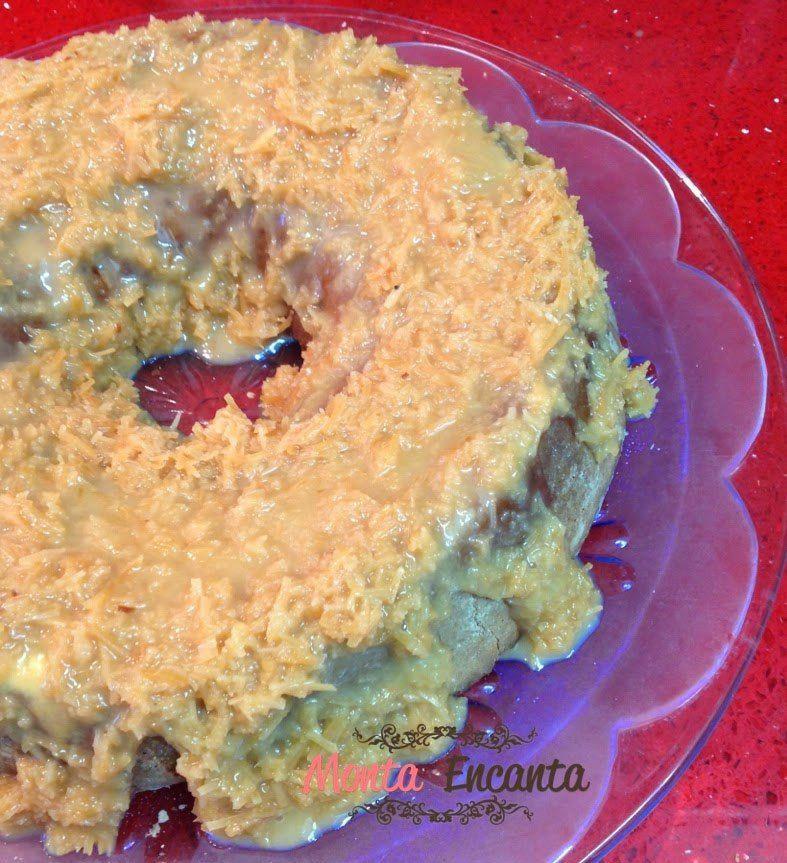 bolo… Bolo de Coco :) Esse bolo é incrível e um super sucesso na internet, você acha em muitos sites, muitos blogs, impossível saber de verdade de onde ele veio. O nome é muito divertido: Bolo Pega…