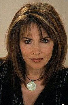 29 new style medium length layered hairstyles for over 50