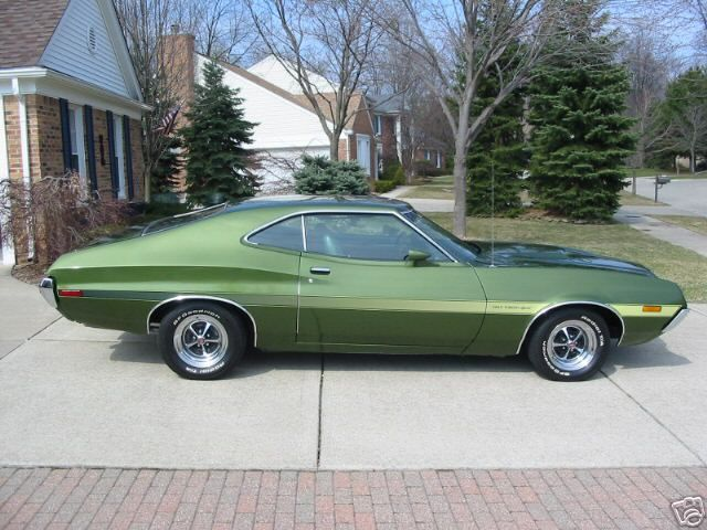 Choose A Submodel For The 1972 Ford Gran Torino To View Classic Car Value Trends For This Vehicle Description From Muscle Cars Classic Cars Ford Classic Cars