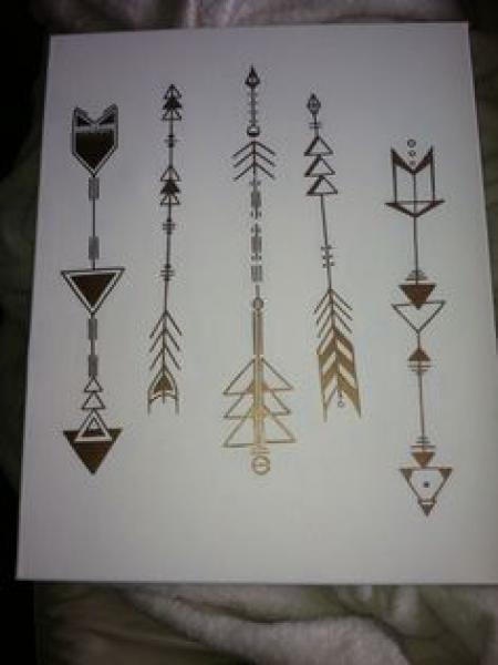Geometric arrows with triangles