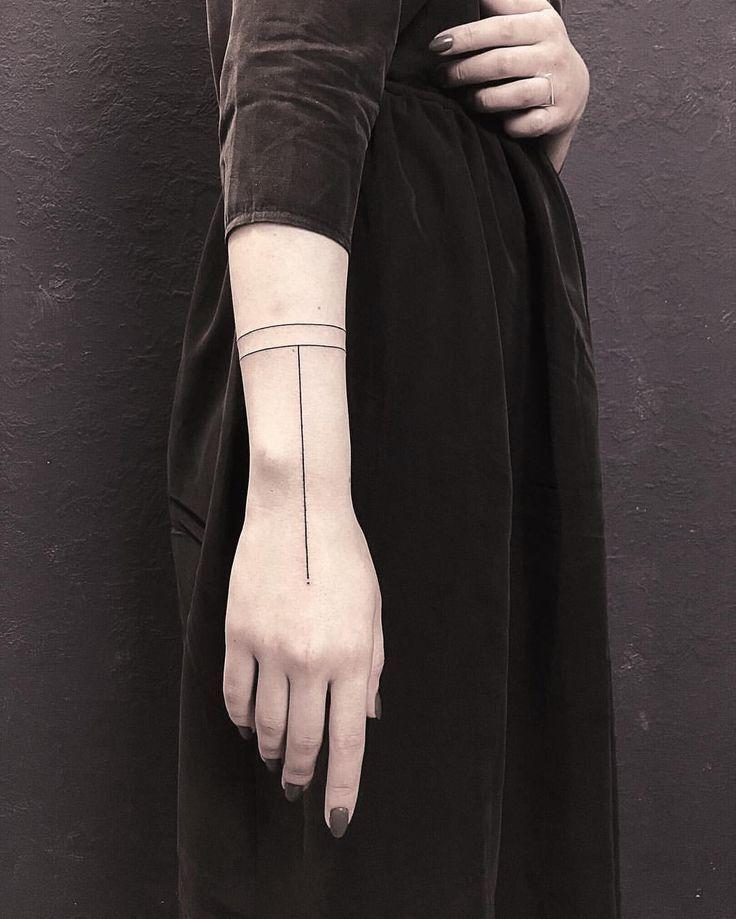 Blackart Tattoo Auf Instagram Just The Straight Lines Tattoo Wowtatto In 2020 Straight Line Tattoo Line Tattoos Line Tattoo Arm