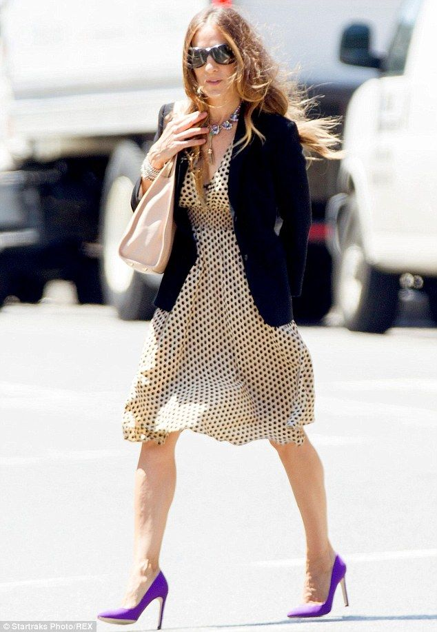 #SarahJessicaParker of #SexandTheCity walking out in NYC with a polka dot dress and purple heels