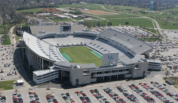 Found A Picture Of The Old Commonwealth Stadium It Looks Kinda Bland I M Glad They Redid It I Wonder Why They De Stadium University Of Kentucky House Styles